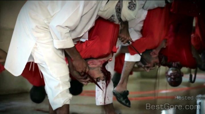 isis-multiple-men-beheading-cattle-hoist-hook-slaughterhouse-isis-840x468